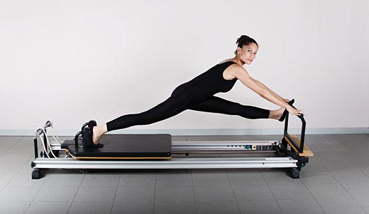 ioga ou pilates fitness club mude sua vida com a gente. Black Bedroom Furniture Sets. Home Design Ideas