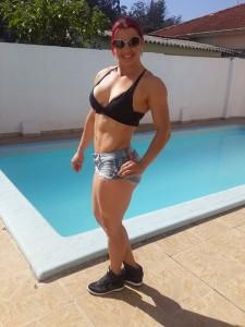 bianca ruiva piscina