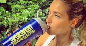 """Monique Alfradique revela o segredo de seu corpo: """"suplementação, crossfit e boxe"""""""