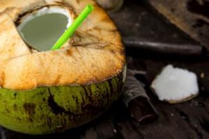 THINKSTOCK Benefícios da água de coco