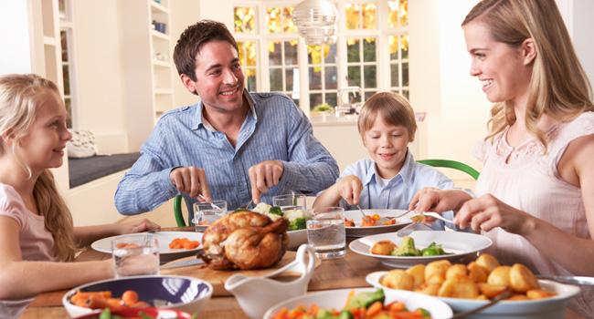 familia-almoco-filhos